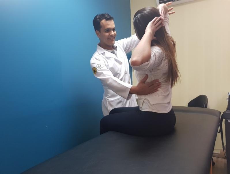 fisioterapia para escoliose